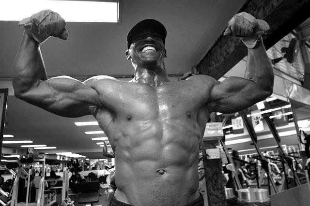 man die spieren aanspant