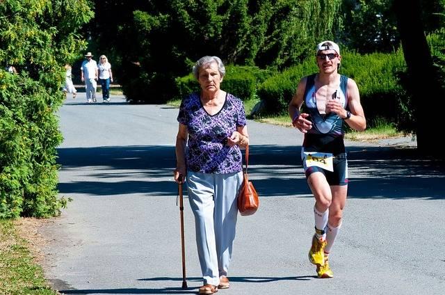 ouderen moeten meer bewegen