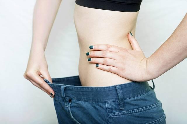 foto van vrouw die is afgevallen door ketogeen dieet